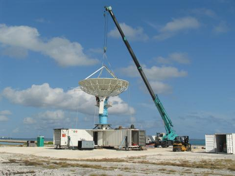 Setting up the S-PolKa radar in Maldives